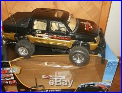 New Bright Chevy Avalanche 1/6 Radio Control RC Truck Lighted With Box Charger
